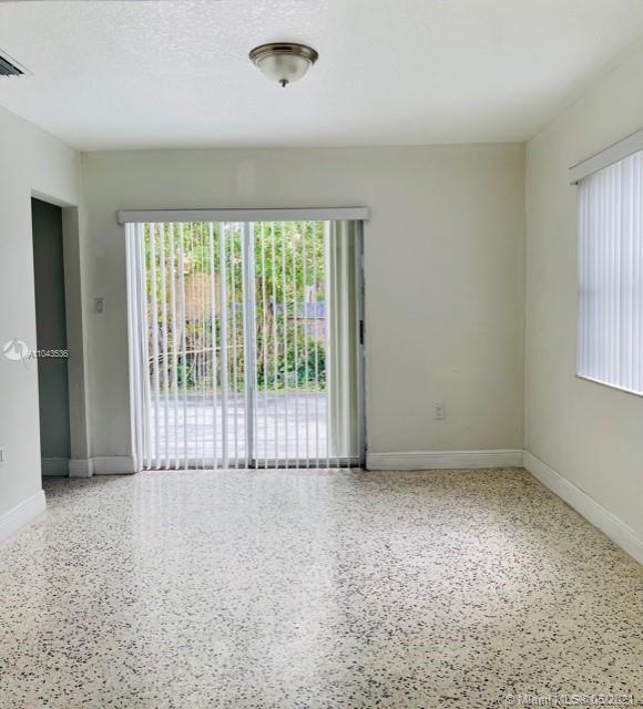 /  2349 sq. ft. $ 2021-05-17 0 Photo