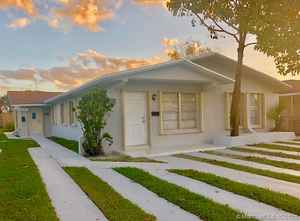 700 000$ - Miami-Dade County,Sweetwater; 2447 sq. ft.