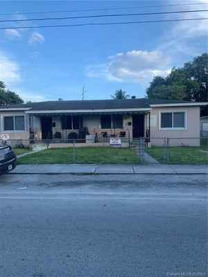 395 000$ - Miami-Dade County,Miami; 1871 sq. ft.