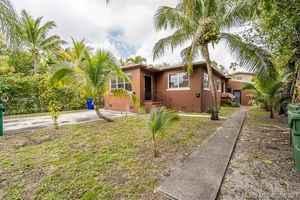 533 000$ - Miami-Dade County,Miami; 1534 sq. ft.