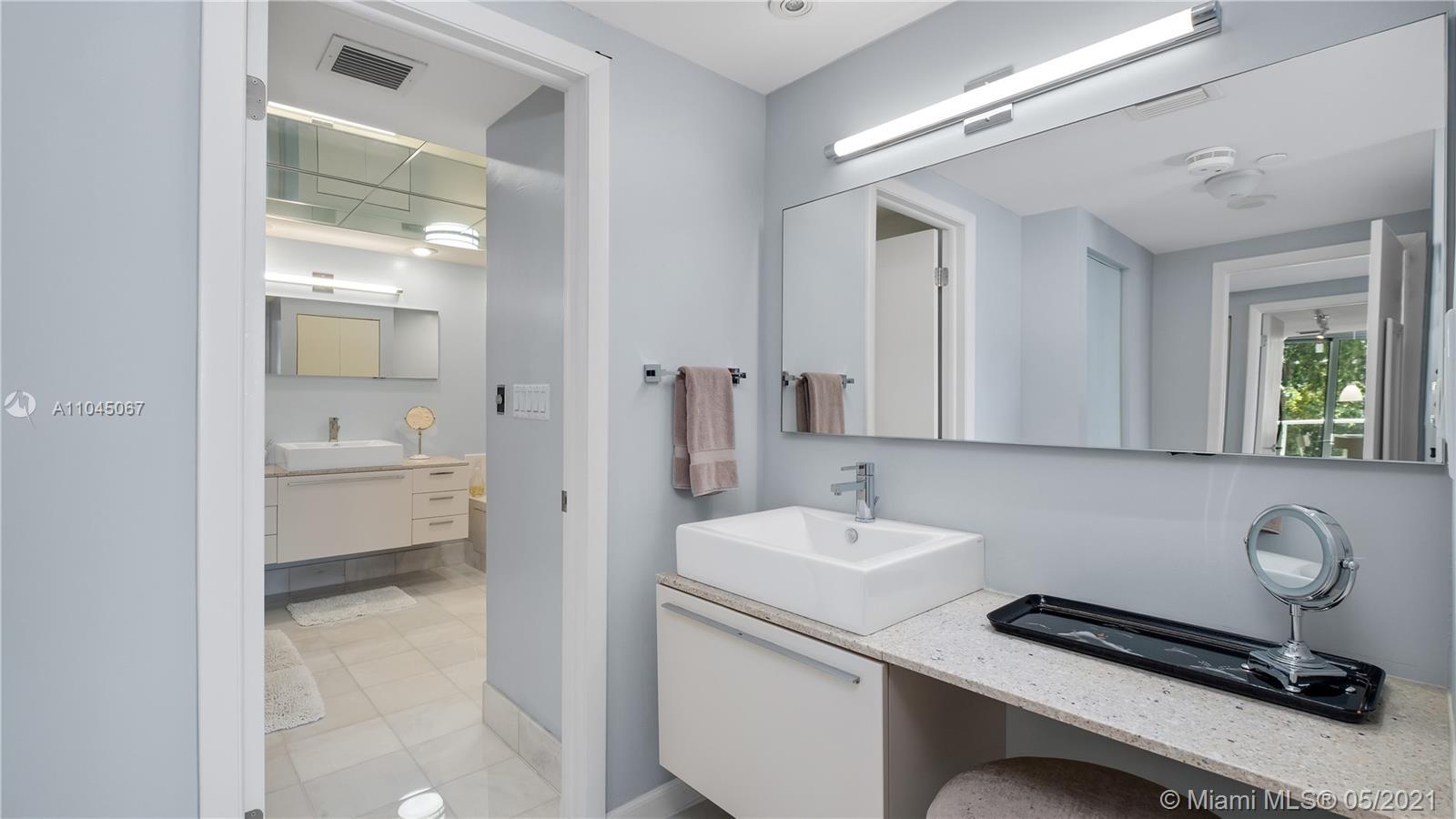 Photo of 20281 Country Club Dr #314, Aventura, Florida, 33180 - Principal Bedroom