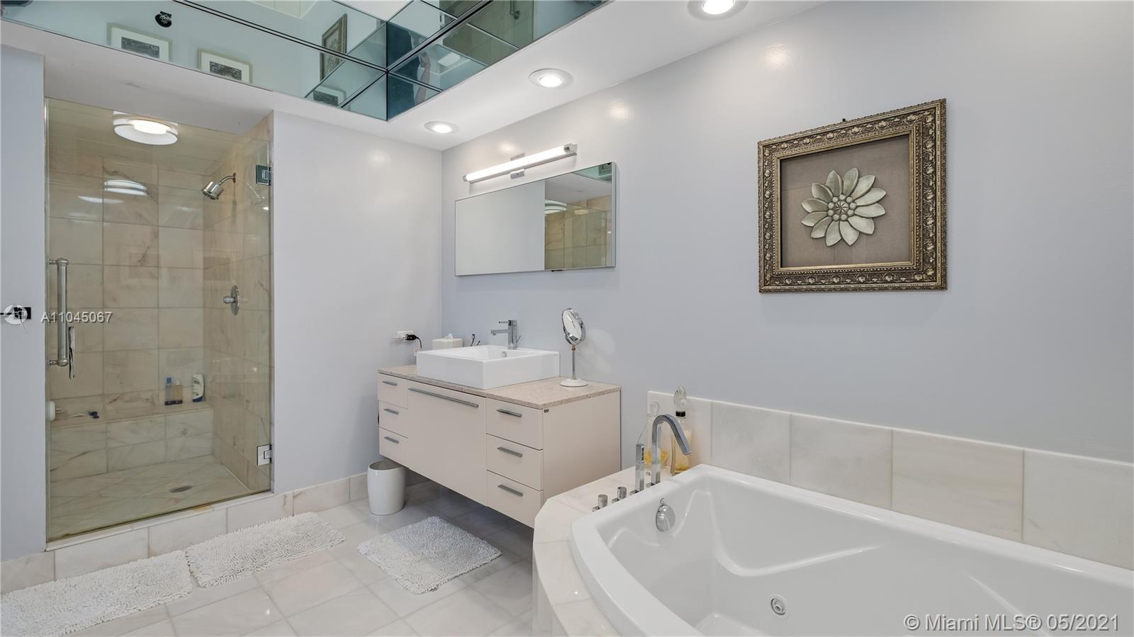 Photo of 20281 Country Club Dr #314, Aventura, Florida, 33180 - Principal Bathroom