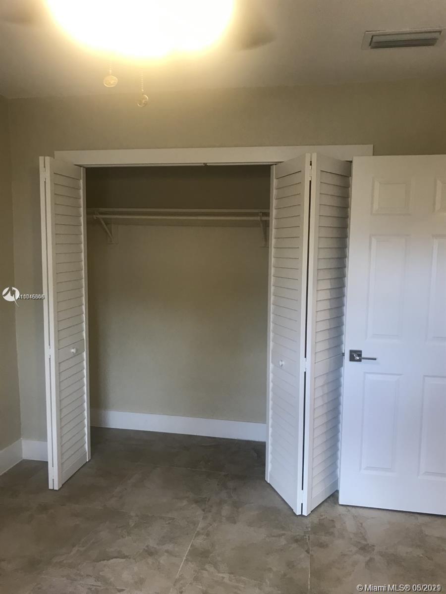 /  2313 sq. ft. $ 2021-05-20 0 Photo