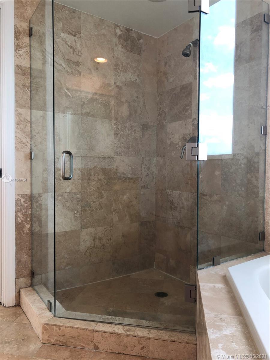 Photo of 1755 Hallandale Beach Blvd #1802E, Hallandale Beach, Florida, 33009 - master bath
