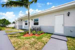 590 000$ - Miami-Dade County,Miami; 2402 sq. ft.