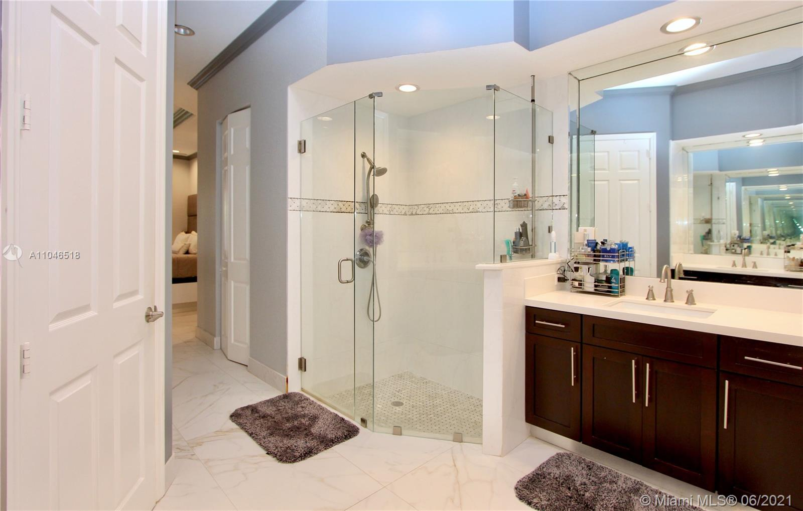 Photo of 867 Spinnaker Dr W, Hollywood, Florida, 33019 -