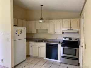 565 000$ - Broward County,Hollywood; 2319 sq. ft.