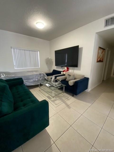 /  2240 sq. ft. $ 2021-05-25 0 Photo