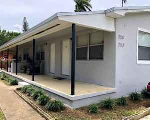 375 000$ - Miami-Dade County,Miami; 1878 sq. ft.