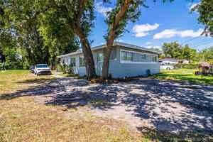 485 000$ - Miami-Dade County,North Miami Beach; 1560 sq. ft.