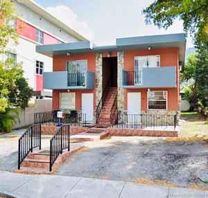 1 300 000$ - Miami-Dade County,Miami; 2508 sq. ft.