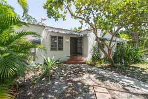 648 000$ - Miami-Dade County,Miami; 2698 sq. ft.