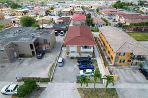 995 000$ - Miami-Dade County,Hialeah; 3531 sq. ft.