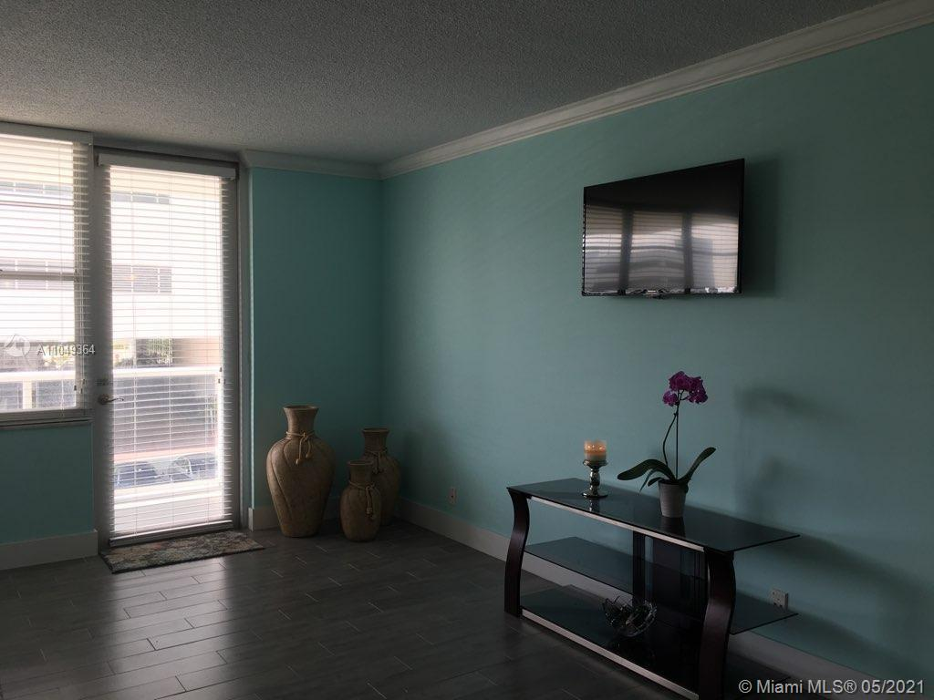 Photo of 3725 Ocean Dr #325, Hollywood, Florida, 33019 -