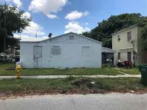95 400$ - Miami-Dade County,Miami; 2429 sq. ft.