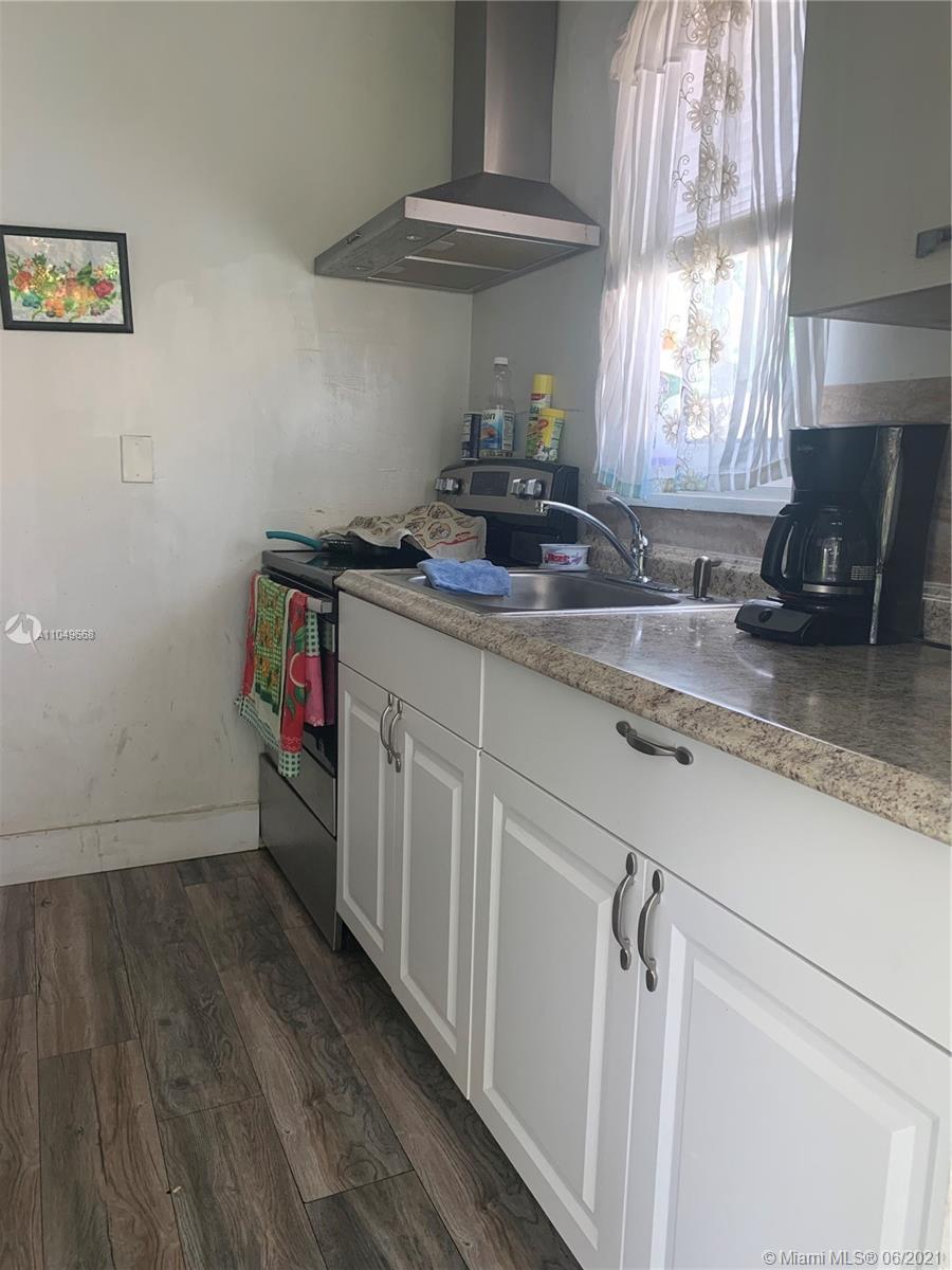 /  1696 sq. ft. $ 2021-05-30 0 Photo