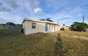 1 080 000$ - Miami-Dade County,Miami; 3527 sq. ft.