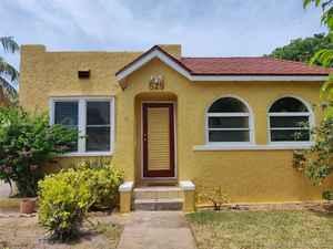 685 000$ - Palm Beach County,West Palm Beach; 2450 sq. ft.