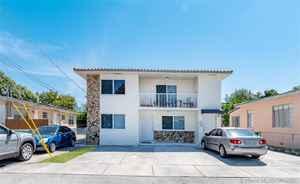 749 000$ - Miami-Dade County,Miami; 2427 sq. ft.