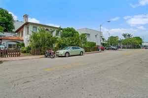1 590 000$ - Miami-Dade County,Miami Beach; 3581 sq. ft.