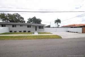 889 000$ - Miami-Dade County,Miami; 2461 sq. ft.