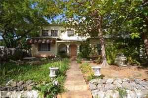 700 000$ - Miami-Dade County,Miami; 2454 sq. ft.