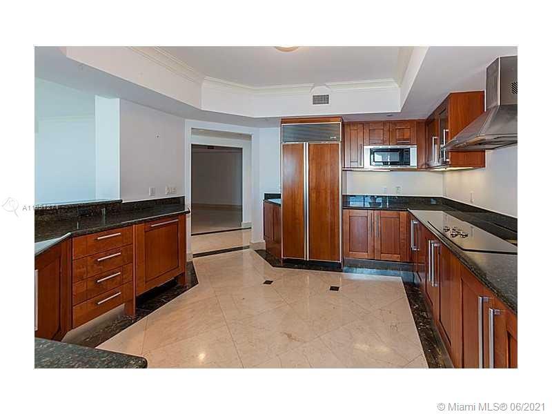 Photo of 3301 183rd St #1906, Aventura, Florida, 33160 - Open Kitchen