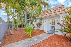 1 100 000$ - Miami-Dade County,Miami; 9000 sq. ft.