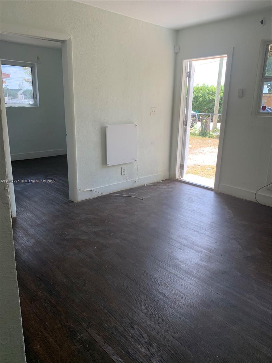 /  987 sq. ft. $ 2021-06-04 0 Photo