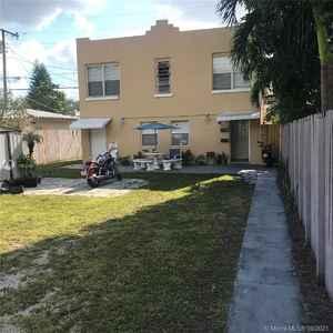 475 000$ - Broward County,Hollywood; 1296 sq. ft.