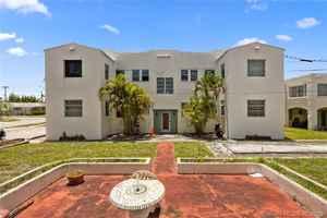 1 800 000$ - Broward County,Hollywood; 6378 sq. ft.