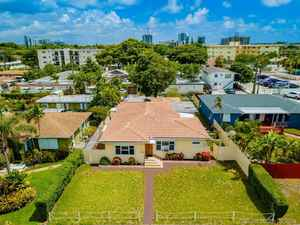 569 000$ - Broward County,Hollywood; 2318 sq. ft.