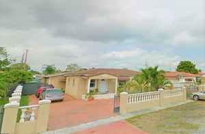 455 000$ - Miami-Dade County,Hialeah; 2236 sq. ft.