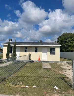 320 000$ - Miami-Dade County,Homestead; 1412 sq. ft.