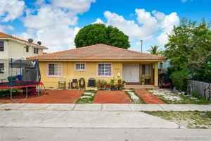 780 000$ - Miami-Dade County,Miami; 2680 sq. ft.