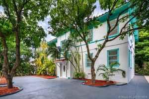 2 400 000$ - Miami-Dade County,Miami Beach; 3982 sq. ft.