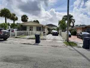 650 000$ - Miami-Dade County,West Miami; 2336 sq. ft.