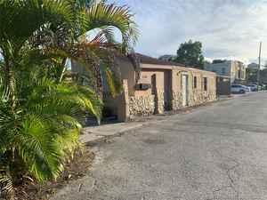 649 999$ - Miami-Dade County,Miami; 10674 sq. ft.