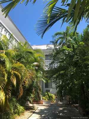 2 390 000$ - Miami-Dade County,Miami Beach; 7733 sq. ft.