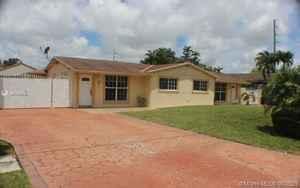 785 000$ - Miami-Dade County,Miami; 2957 sq. ft.