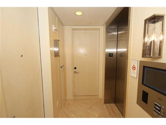 Photo of 9703 COLLINS #1206, Bal Harbour, Florida, 33154 - SECOND BATHROOM (INSIDE DEN)